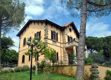 Thumbnail 8 bed villa for sale in Pisa, Tuscany, Italy