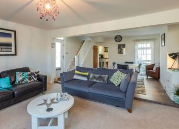 3 bed end terrace house for sale in London Road, Boxmoor, Hemel Hempstead HP3