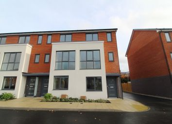 Thumbnail 3 bed town house to rent in Woolhampton Way, Reading