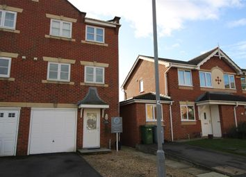 Thumbnail 3 bedroom town house for sale in Cludd Avenue, Newark