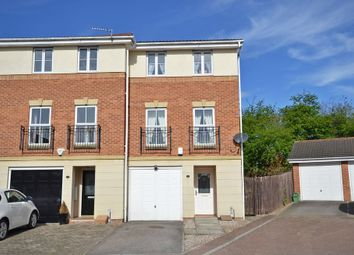 Thumbnail 3 bed town house for sale in Mill View, Alverthorpe, Wakefield