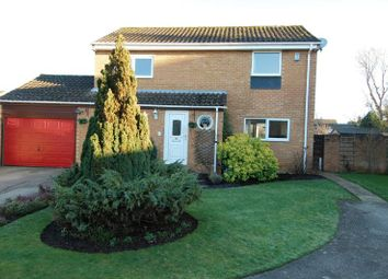 Thumbnail 4 bedroom detached house for sale in Mead Way, Kidlington