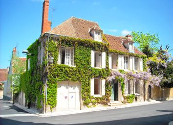 Thumbnail 6 bed town house for sale in Chateauroux, Châteauroux (Commune), Châteauroux, Indre, Centre, France