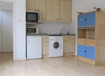 Thumbnail 1 bed flat to rent in Cricklewood Lane, Childs Hill, London