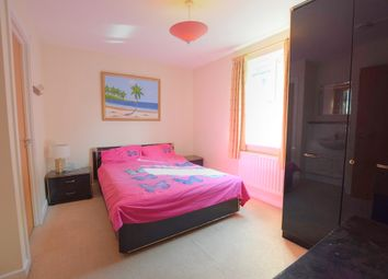 Thumbnail Room to rent in Monarch Way, Ilford