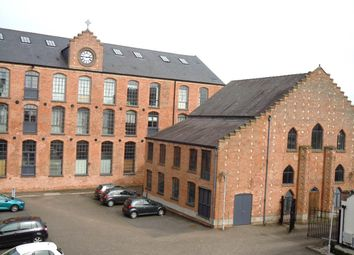 2 bed flat to rent in The Poplars, Beeston, Nottingham NG9
