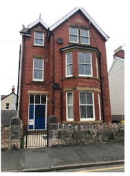 2 bed flat to rent in 11 Lawson Road, Colwyn Bay LL29