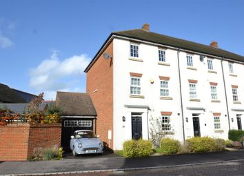 Thumbnail 5 bedroom town house for sale in Brookfield Drive, Horley