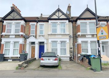 Thumbnail 3 bed flat to rent in Brownhill Road, Catford, London