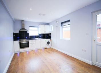 Thumbnail 2 bed flat to rent in Gossage Road, London