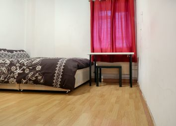 Thumbnail 3 bedroom shared accommodation to rent in Selby Street, London