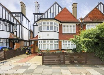 Thumbnail 2 bed flat for sale in Acacia Road, London