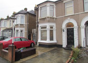 2 bed maisonette to rent in Blythswood Road, Seven Kings, Ilford IG3