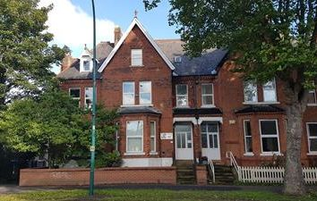 Thumbnail Office for sale in 252 Cottingham Road, Hull, East Riding Of Yorkshire