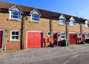 3 bed terraced house for sale in Pakenham Close, Aylesbury HP19