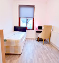 Thumbnail Room to rent in Myddleton Rd, London