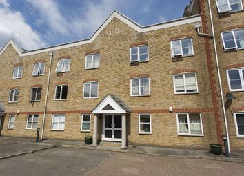 Thumbnail 2 bed flat to rent in Laburnum Street, London
