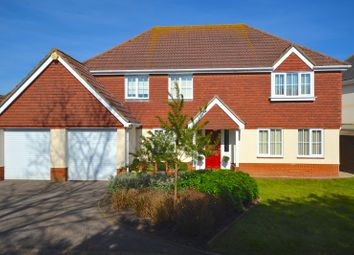 Thumbnail 4 bed property for sale in Broadoaks Crescent, Braintree