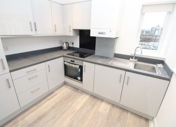 2 bed maisonette to rent in Downham Way, Bromley BR1