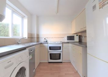 2 bed terraced house to rent in Avocet Way, Bicester OX26