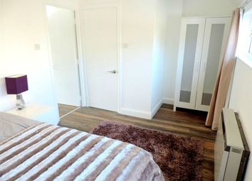 Thumbnail Room to rent in (House Share) Heron Place, Rotherhithe Street, Canada Water, London