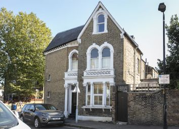 Crofton Road, London SE5. 1 bed flat for sale