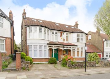 3 bed flat to rent in Orpington Road, Winchmore Hill N21