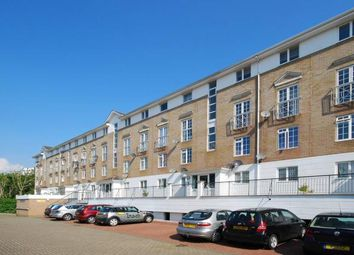 Thumbnail 1 bed flat to rent in Gavrick Mews, Canary Wharf