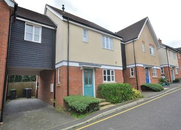 3 bed link-detached house to rent in Weavers Close, Dunmow CM6