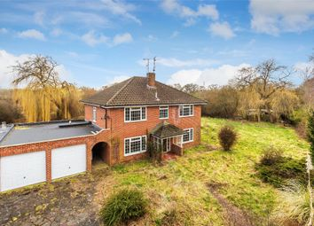 Thumbnail 4 bed detached house for sale in Weatherhill Close, Horley, Surrey