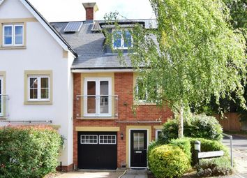 Greyford Close, Leatherhead, Surrey KT22. 3 bed semi-detached house