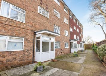 Thumbnail 2 bed flat for sale in Beacon Grove, Carshalton