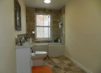 Thumbnail 2 bed flat to rent in High Street, Daventry, Northants