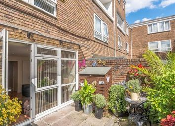 4 bed maisonette to rent in Gough Walk, London E14
