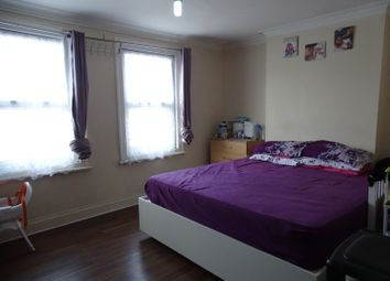 Waltham Road, Southall UB2. 3 bed maisonette