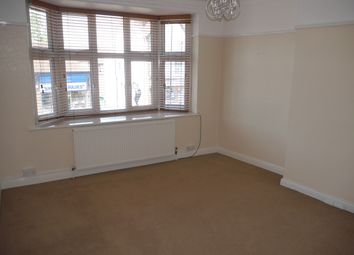 2 bed flat to rent in Station Approach, Hayes, Bromley BR2