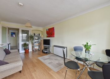 Thumbnail 1 bed flat to rent in Bourneside Crescent, Southgate