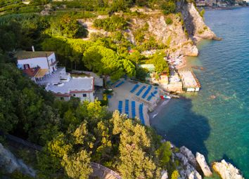 Thumbnail 8 bed villa for sale in Vietri Sul Mare, Vietri Sul Mare, Salerno, Campania, Italy