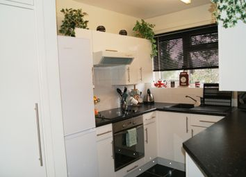 Thumbnail 2 bedroom flat to rent in Madeira Road, Bournemouth