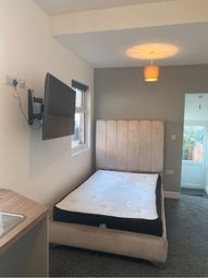 Thumbnail Room to rent in Elgin Street, Northampton