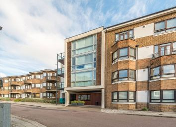 Thumbnail 1 bed flat to rent in Kew Bridge Court, Chiswick