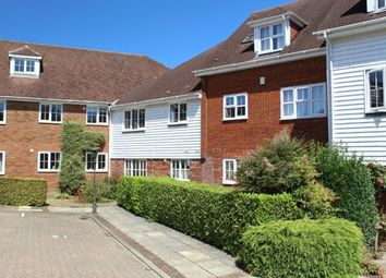 Thumbnail 2 bedroom flat for sale in Little Park, Wadhurst, East Sussex