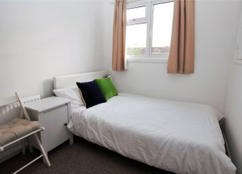 Thumbnail Room to rent in Vandyke, Bracknell, Berkshire