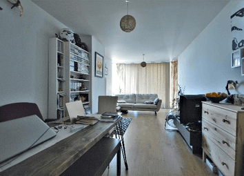 1 bed flat for sale in Signal Building, Hillingdon Hayes, Middlesex UB3