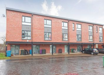 Thumbnail 3 bed town house for sale in Shuna Crescent, Ruchill, Glasgow