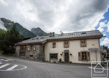 Thumbnail 2 bed apartment for sale in Rhône-Alpes, Haute-Savoie, Chamonix-Mont-Blanc