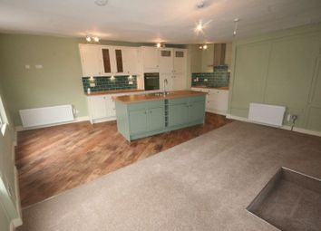 Thumbnail 3 bed flat to rent in West Street, Buckingham