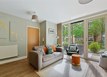 2 bed maisonette for sale in Oxley Square, London E3