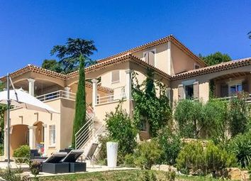 Thumbnail 5 bed villa for sale in Villeneuve-Les-Avignon, Gard, France