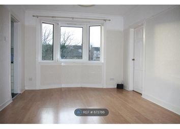 4 bed flat to rent in Croftfoot Road, Glasgow G44